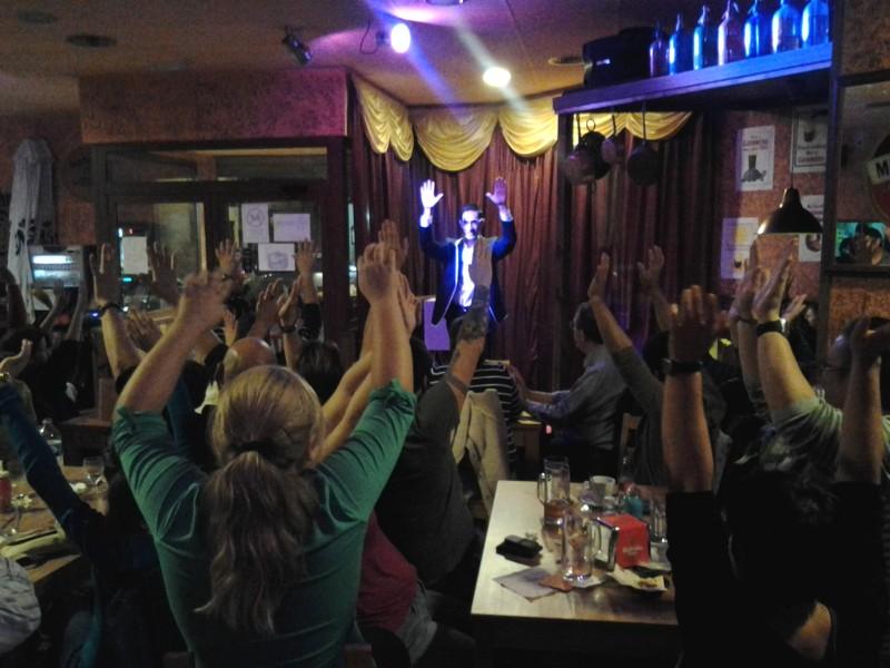 magia y humor para pubs y restaurantes - mago daniel blanco castalla alicante - makka pakka producciones